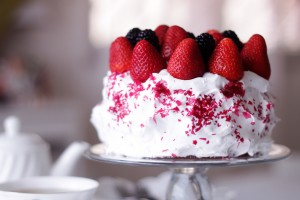 Strawberry Cake Hd Wallpaper
